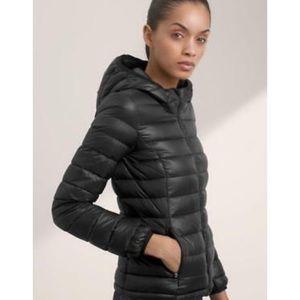 NEW Aritzia Parklife Black Puffer Jacket XS